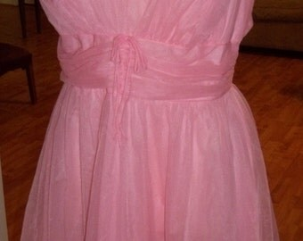 Ultra FLIRTY and FEMININE Salmon Pink Colored Vintage Slip