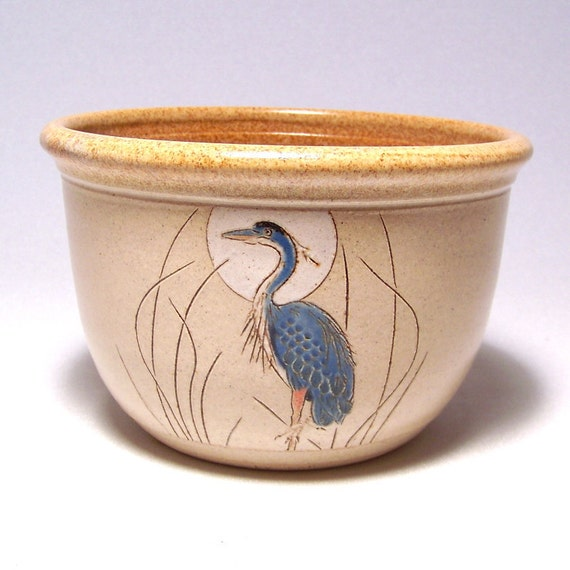Great Blue Heron 1 quart Pottery Serving Bowl Limited Series 87