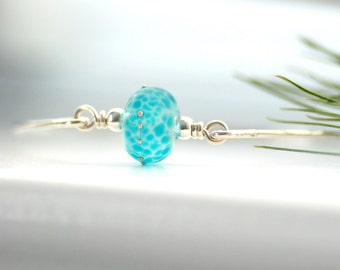 Silver Bangle Bracelet, Blue Glass Bangle, Beach Wedding, Sterling Silver Bangle, Minimalist Jewelry, Turquoise Etched Glass - Sea Siren
