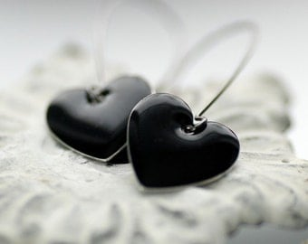 Black Heart Earrings, Enameled Earrings, Metal Earrings, Dangle Earrings, Black Wedding, Anti-Valentine