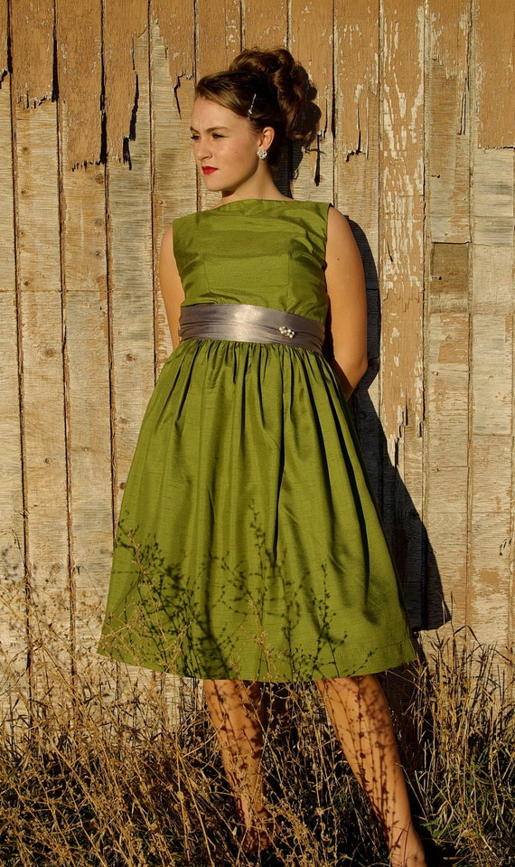 Florence- avocado green 1960's Style Dress, women's size 4-6
