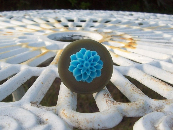 Gray and Light Blue Chrysanthemum Ring - Adjustable - Silver Tone - Cocktail Ring