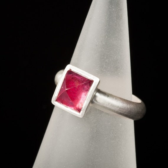 Pink Tourmaline Pyramid ring, Rubellite, triangle, sterling silver, cocktail ring