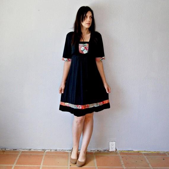 vintage 1970s BOHEMIAN black floral day dress