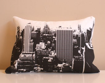 SALE - New York City Skyline Throw Pillow // City Skyline Pillow // New York City Pillow // Black and White City Pillow
