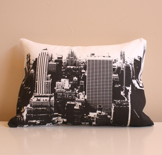 SALE - New York City Skyline Throw Pillow // City Skyline Pillow // New York City Pillow // Black and White City Pillow