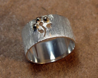 70% OFF Going Out of Business Sale.. Last One. Gold Petal Flower - Sterling Silver Ring with 10k Gold Petals size 7.5