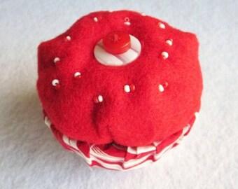 Cupcake Trinket Box, Felt Keepsake Box, Red and White Trinket Box, Felt Gift Box, Red Ring Box, Fabric and Felt Box, Vanity Storage Box