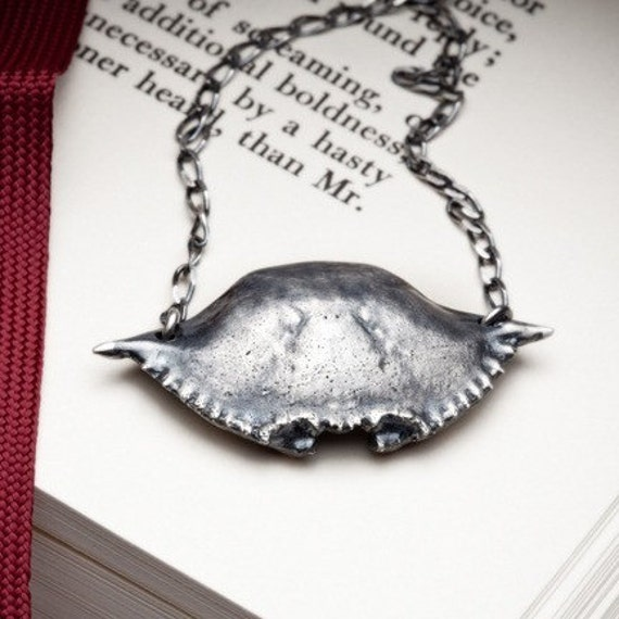 Silver crab shell, statement necklace, cancer zodiac - Guerrier - RedSofa jewelry