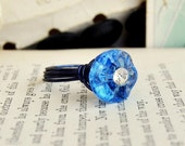 Sale - Vintage Button Ring - Blue Rhinestone - Vintage Button Jewelry - Glass Size 8 Crystal Blue