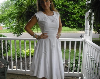1950s Vintage Dress Stunning  White Pique Dress with Organza Flower Inserts Perfect for  Wedding or Party 36 Bust