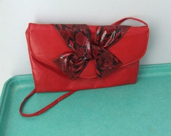 BOW CLUTCH PURSE 1980s Black Red Faux Snakeskin Bow Envelope Clutch