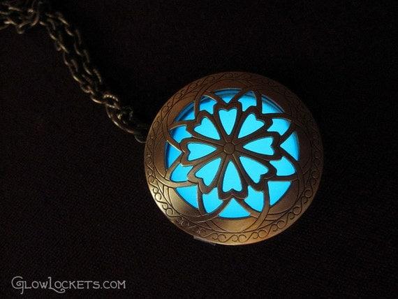 Hour of Twilight Aqua Glow Locket Brass