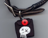 Dog-Tag PAWKET -- Stops the JINGLE (skull/red)