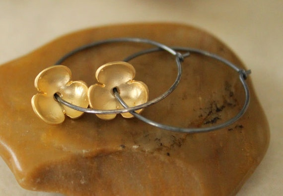 Oxidized Sterling Silver Hoop Earrings with Matte Gold Flower Charms - Fleur // A170