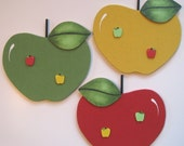 Your Choice Apple Bulletin Board and Push Pins