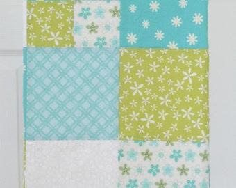 SALE- Blue Daisy- Patchwork Flannel Blanket: Ready to ship, gender neutral, flannel, stroller blanket, Baby Shower gift, blue, green, white