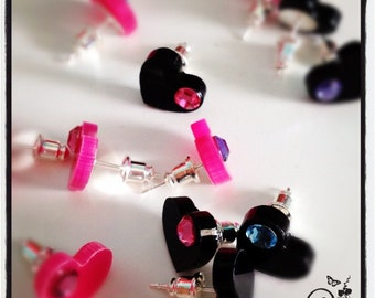 Little swarovski hearts (one pair pink or black)