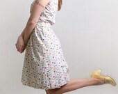 1950s Novelty Dress - White Print Lampl Summer Picnic Dress - Small to Medium