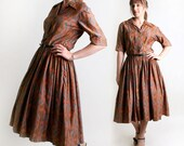 1950s Day Dress - Vintage Autumn Caramel Brown Paisley Style Cotton Dress - Large to XL