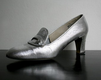 Vintage Metallic Heels - Tinsel Silver Space Age Galaxy 1960s Cocktail Mod Party