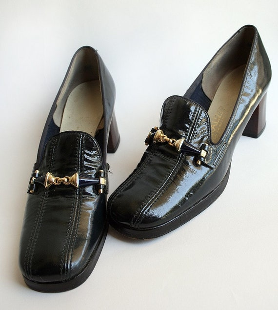 Black Loafer Heels - Shiny Vintage Golden Buckle Naturalizer Secretary Heels - size 7 AAA - Office Fashion