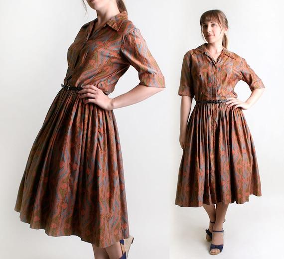 1950s Day Dress - Vintage Autumn Caramel Brown Paisley Style Cotton Dress - Large to XL
