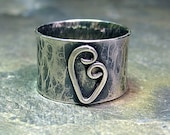 Heart Ring wide band rustic sterling silver hammered metalsmith metalwork handmade - Sweetheart