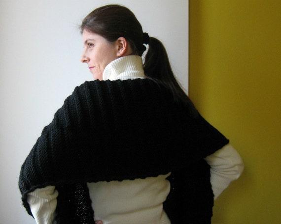 Black Chunky Scarf Knitted in Merino Wool