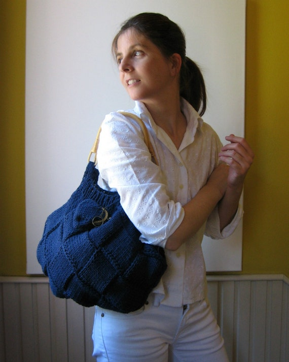 Navy Handbag Knitted in Cotton with Rattan Handles