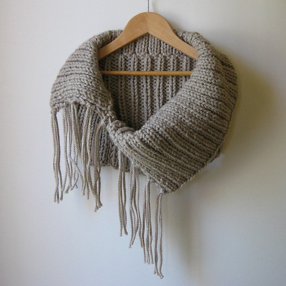 Chunky Cowl Fringes Knitted in Beige Soft Wool Blend