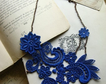 lace necklace // MIHARA // sapphire blue // cobalt // vintage style / wedding jewelry / floral / romantic jewelry / bride / something blue