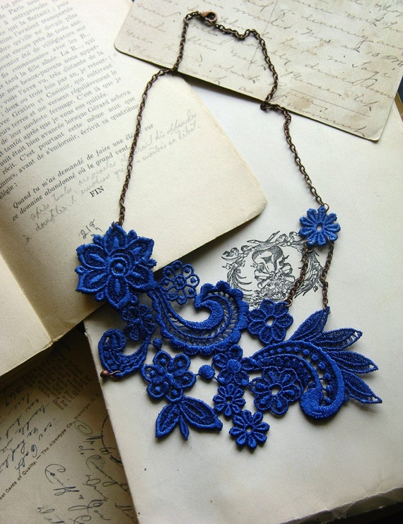 lace necklace -MIHARA- dazzling blue- cobalt - fall