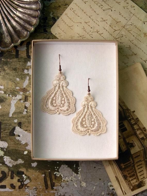 lace earrings / MAILE / bridesmaid - bridal earrings - gift - victorian earrings - ivory earrings - christmas - under 20