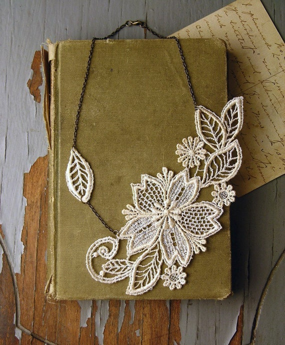 wedding- lace necklace // MARICHELLE // ivory // floral // botanical // bride // gift // vintage wedding // bridesmaid