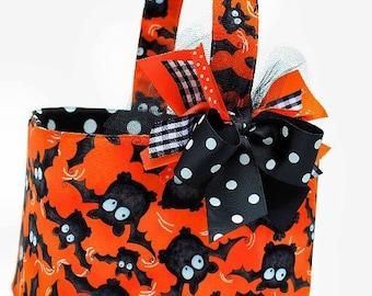 Halloween  Trick or Treat basket candy bucket orange Bats