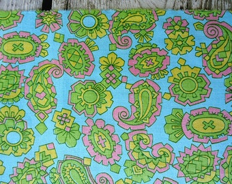 vintage fabric 60s - green turquoise pink paisley - cotton fabric -