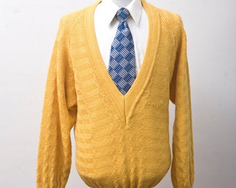 Men's Sweater / Vintage Deep-V Yellow Knit Sweater / Size Medium