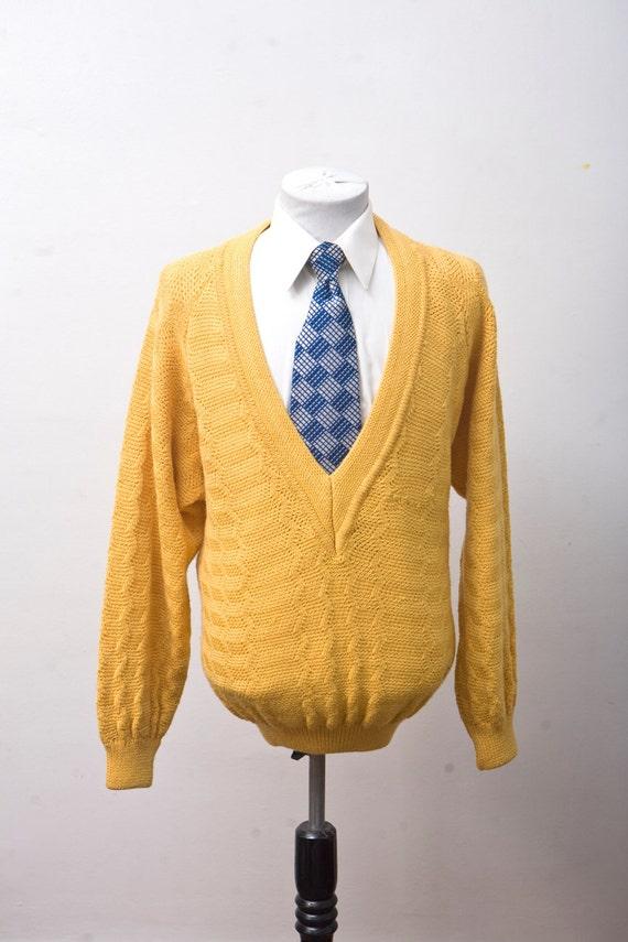 Men's Sweater / Vintage Deep-V Yellow Knit Sweater / Size Medium