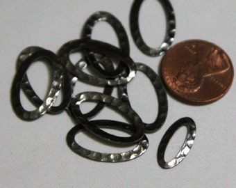 10 pcs of Gunmetal plated brass hammered oval link 12X22mm