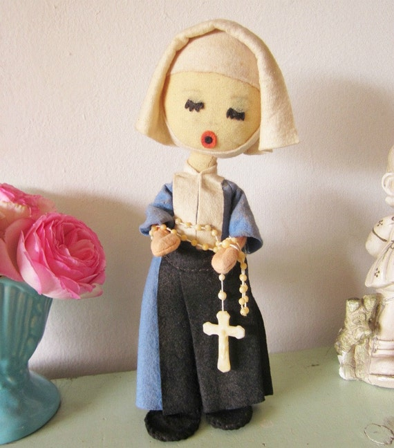 Vintage Nun Doll, Cloth Doll, Pose Doll