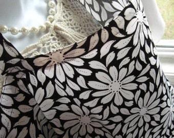 Breastfeeding Cape Nursing Cover with pocket - Black and White Daisy