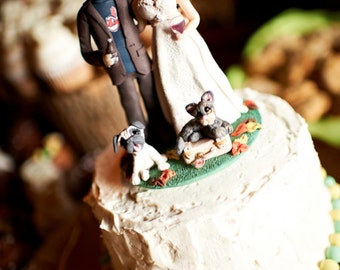 Custom wedding cake topper, personalized cake topper, Bride and groom with cats cake topper, Mr and Mrs cake topper