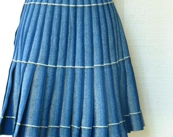 Vintage Pendleton Skirt Size Medium Size Small Blue Wool Pleated Kilt Skirt from Portland's Pendleton Wool Mills