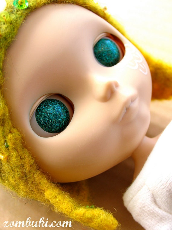 Neptune Teal Resin Glitter Eye Chips for Blythe or Byul - FINAL STOCK