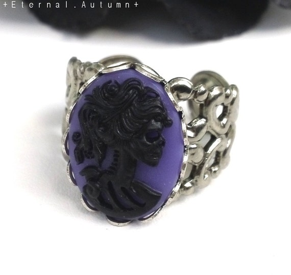 L a d y. D e c a y. V I O L E T ...Black on Purple Gothic Skeletal Zombie Lady Cameo Ring - Silver