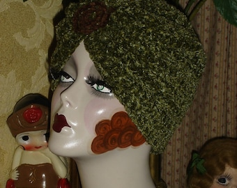 Flapper Swami Turban Hat In Green Chenille