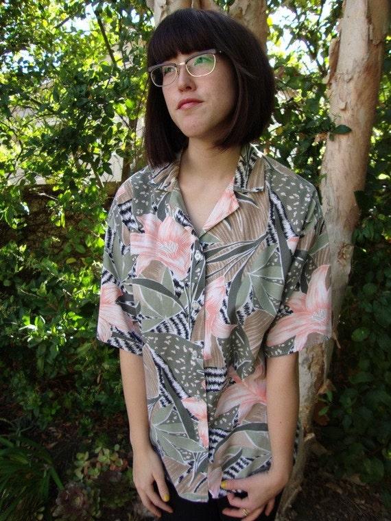 how to wear an oversized hawaiian shirt