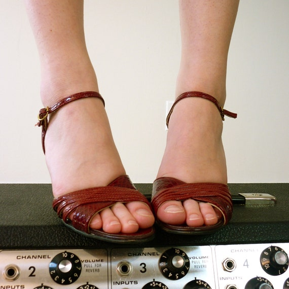 Vintage 1970's Oxblood Red Heels, Size 5 - 5.5