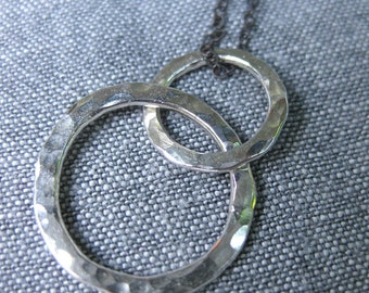 Hammered circles silver necklace